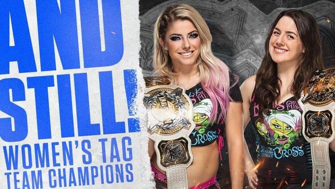 Alexa y Nikki retuvieron los campeones en parejas en este SmackDown.