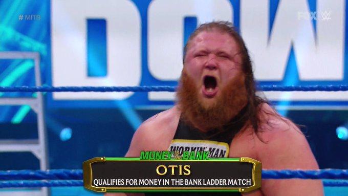 Otis se clasificó al MITB en este SmackDown.