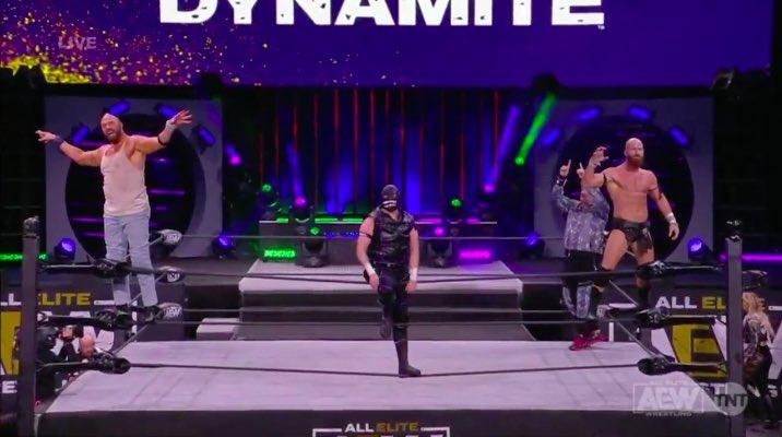 El homenaje de Archer como Luke Haper junto a Grayson y Uno en este AEW Dynamite.