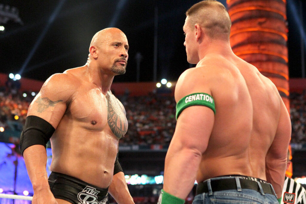 Roman Reigns defendió los main event de Cena y The Rock.